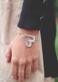 Model Heart Bracelet