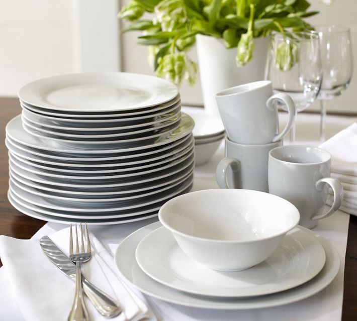 Porcelain Caterer S 12 Piece Dinnerware Set
