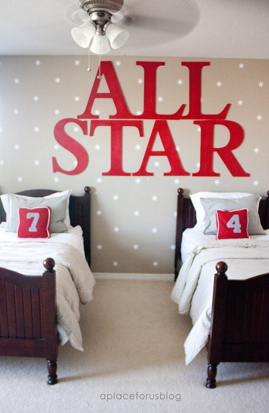 Starry Wallpaper - Destiny from A Place for Us uses wall decals from Walls Need Love to make a Starry Wallpaper