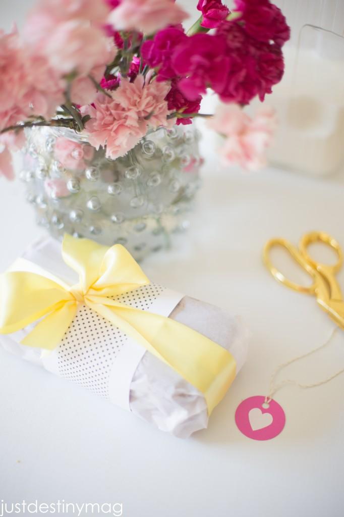 How to gift wrap banana bread-19