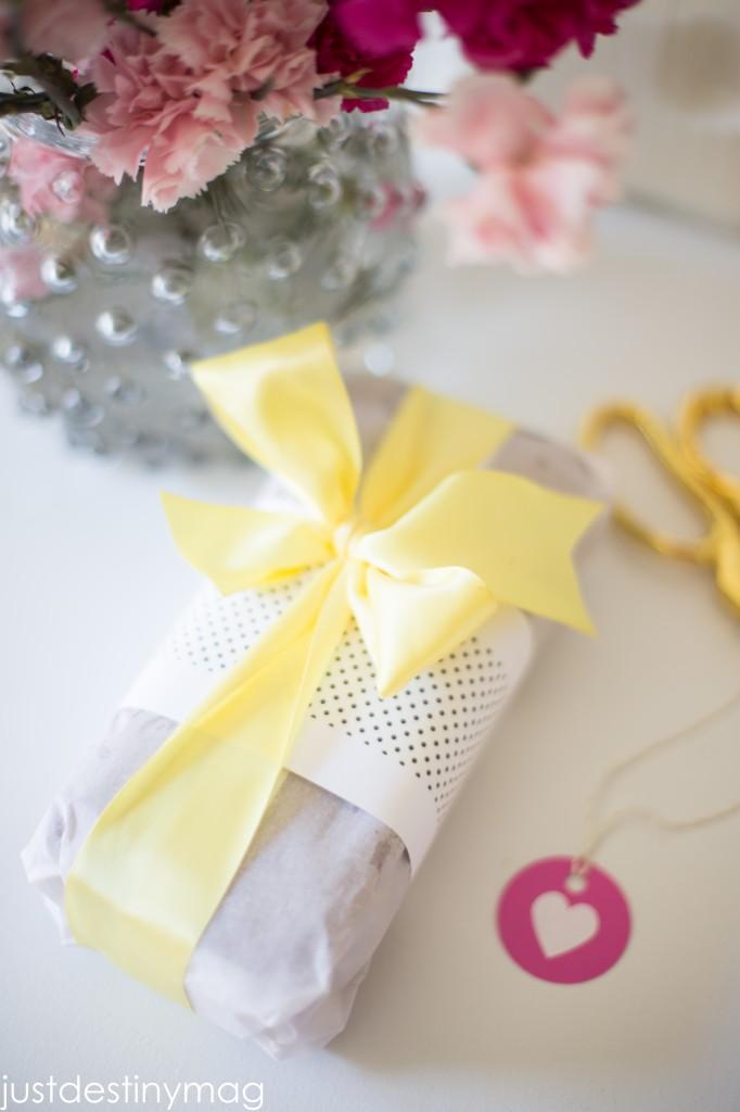 How to gift wrap banana bread-20