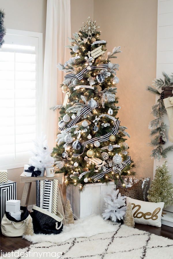 black and white christmas trees - White Christmas Tree With Gold Decorations