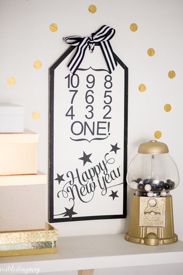 New Years Eve Countdown Tag