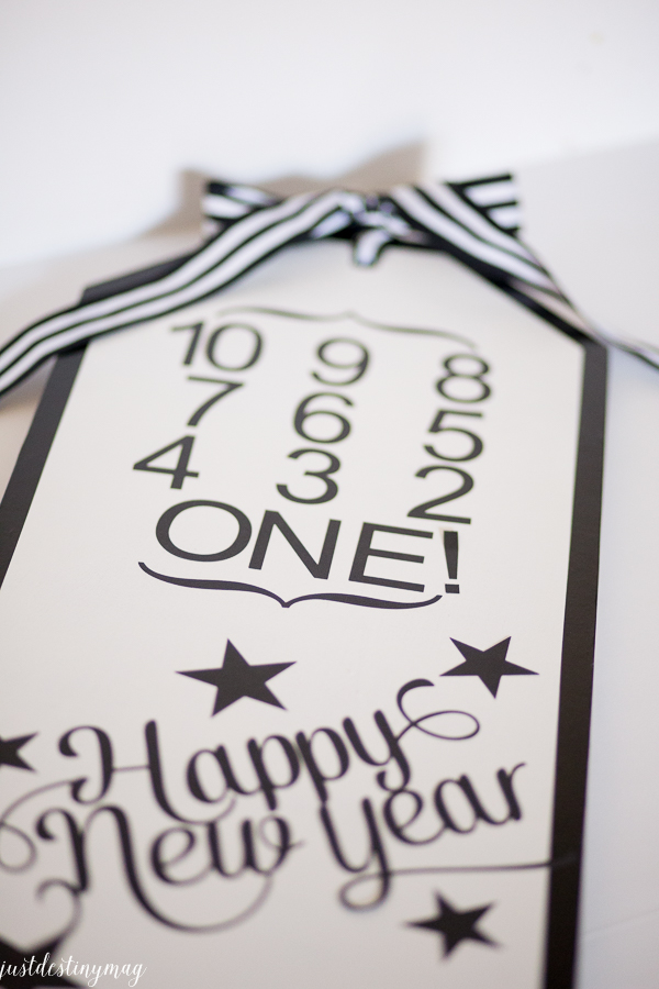 NEW YEARS EVE SIGN-9