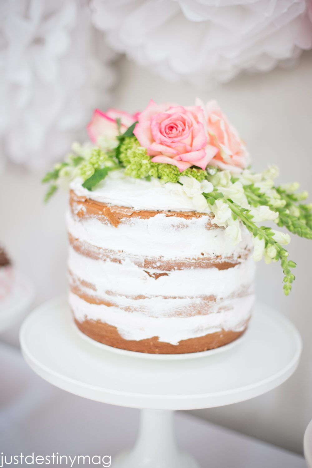 How to make Beautiful NAKED CAKES
