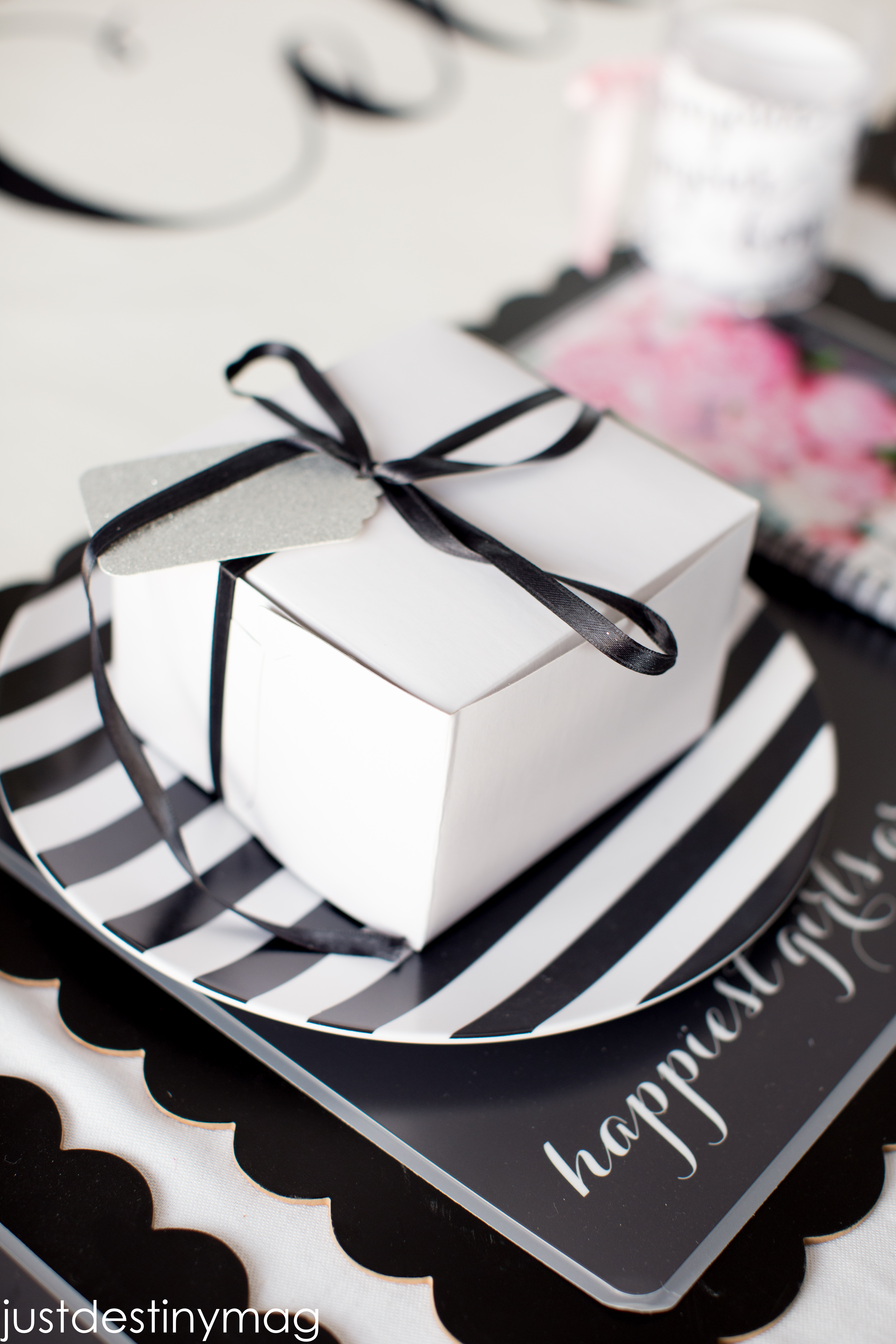 Paris Birthday Party Table Settings_-2 & Paris Birthday Party with Shutterfly | Just Destiny