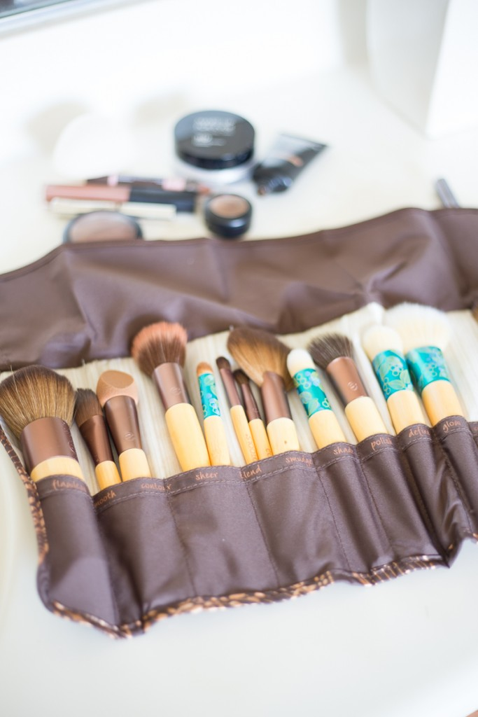 Eco Tools Makeup Brush Storage-14
