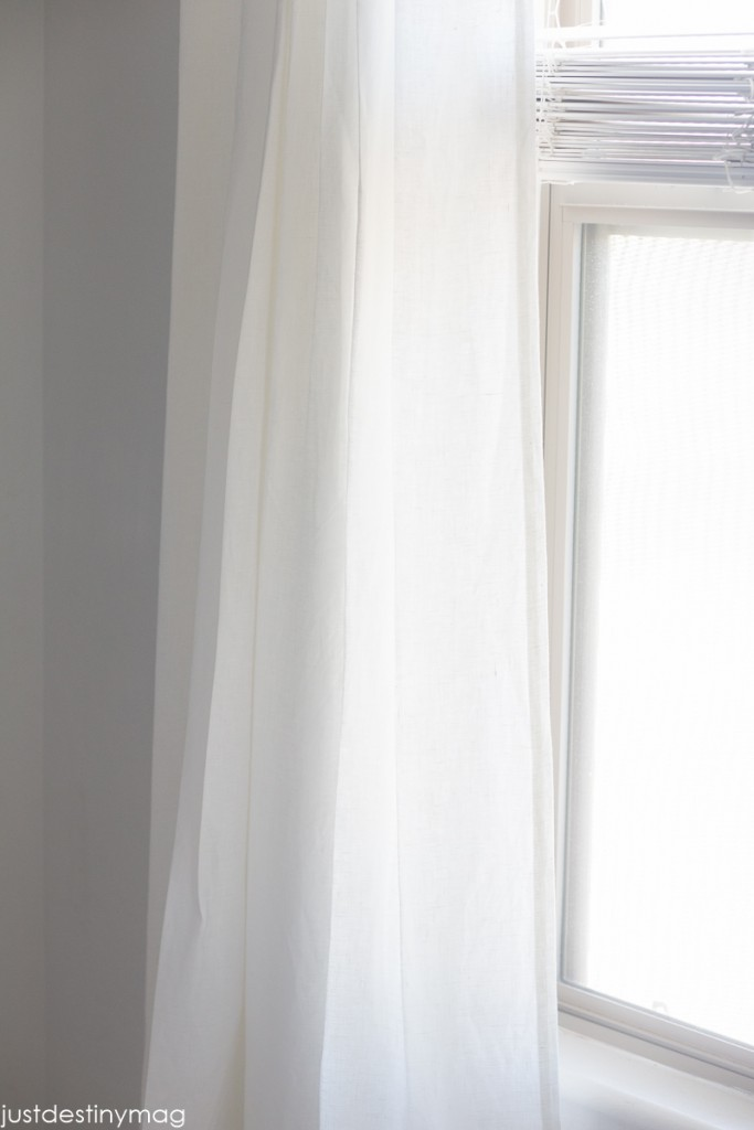 How to Hang your Curtains Perfectly_-14
