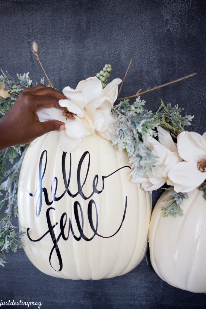 DIY Hanging Half Pumpkin Craft_-13