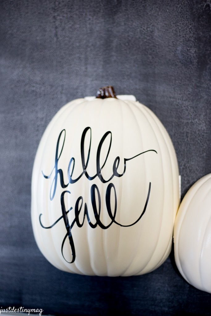 DIY Hanging Half Pumpkin Craft_-8