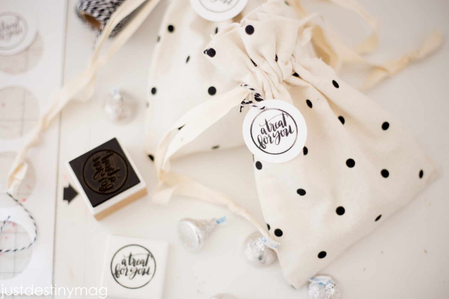 Gift Stamps with the MINT by Silhouette