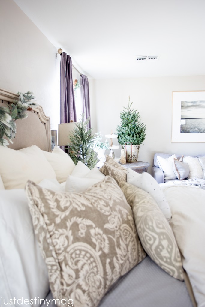A Christmas Home Tour Master Bedroom-2