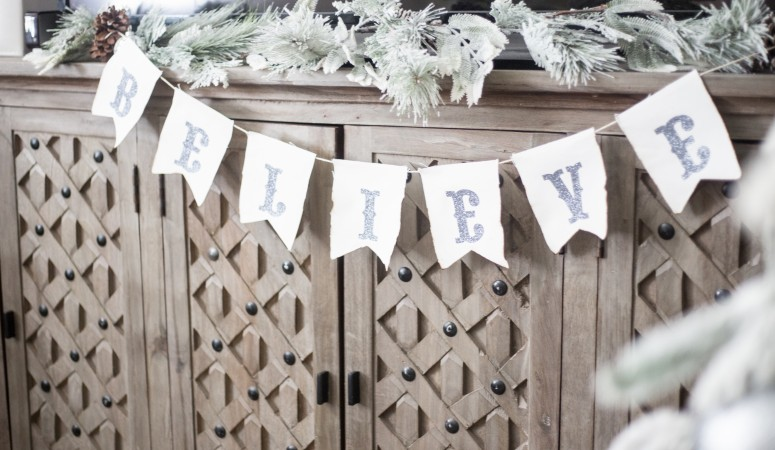 DIY Christmas Banners with the Silhouette Cameo