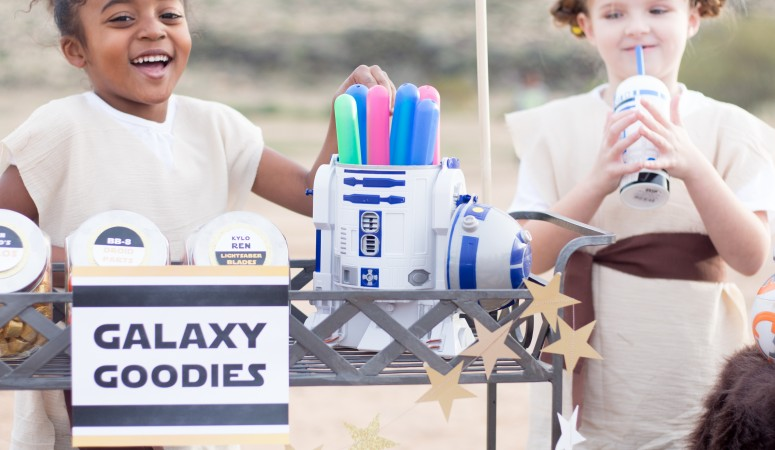 The Force Awakens Party Ideas- DIY Star Garland