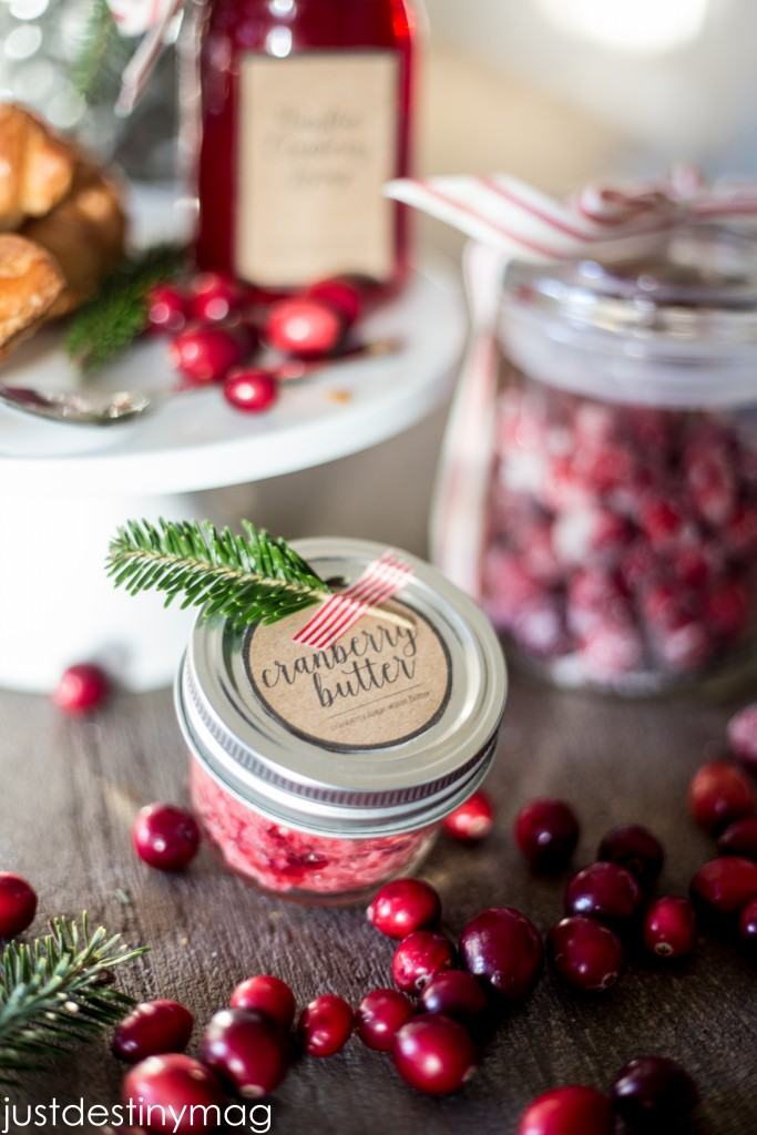 Use cranberries for Christmas Gifts this year
