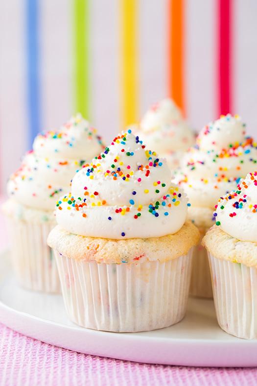 funfetti-angel-food-cupcakes7+srgb.