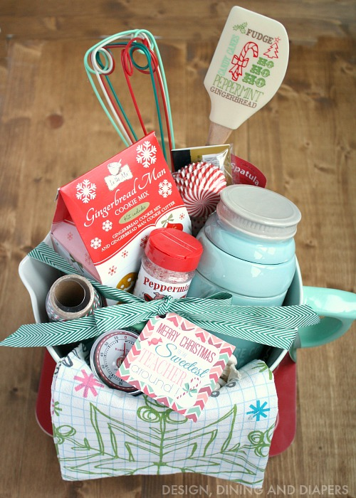 Building-the-perfect-gift-basket-free-gift-tag-printable-