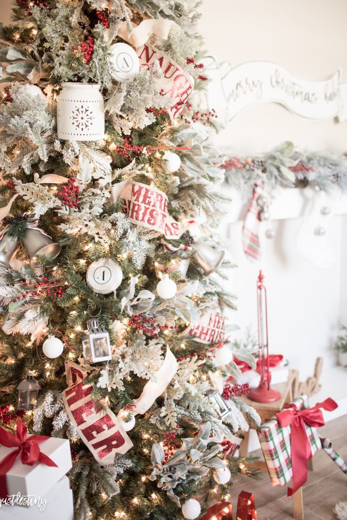 how-to-decorate-a-christmas-tree