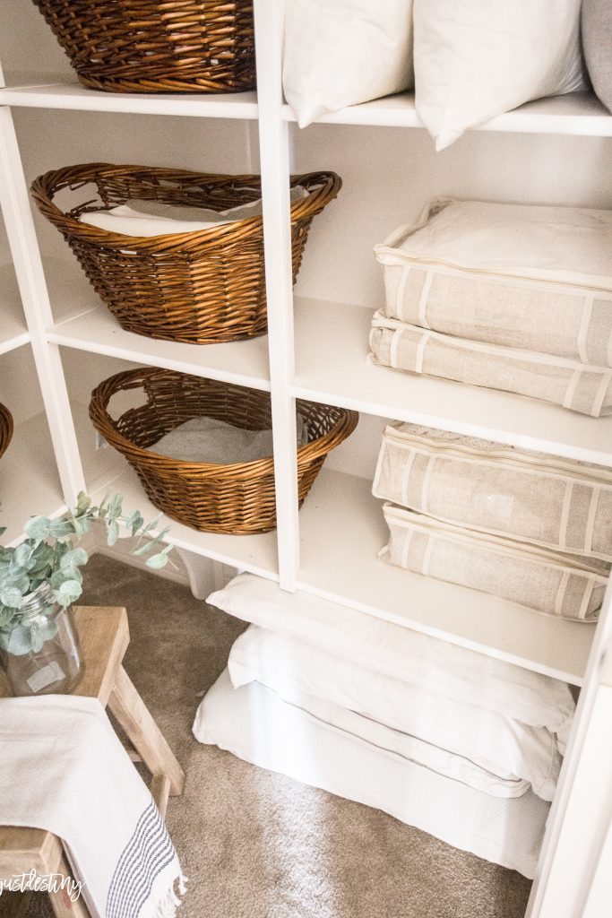 linen-closet-organization-by-just-destiny-mag_-11