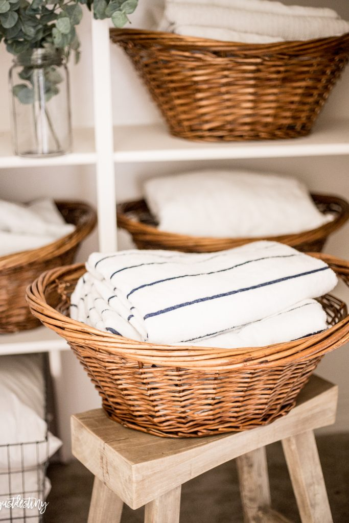 linen-closet-organization-by-just-destiny-mag_-14