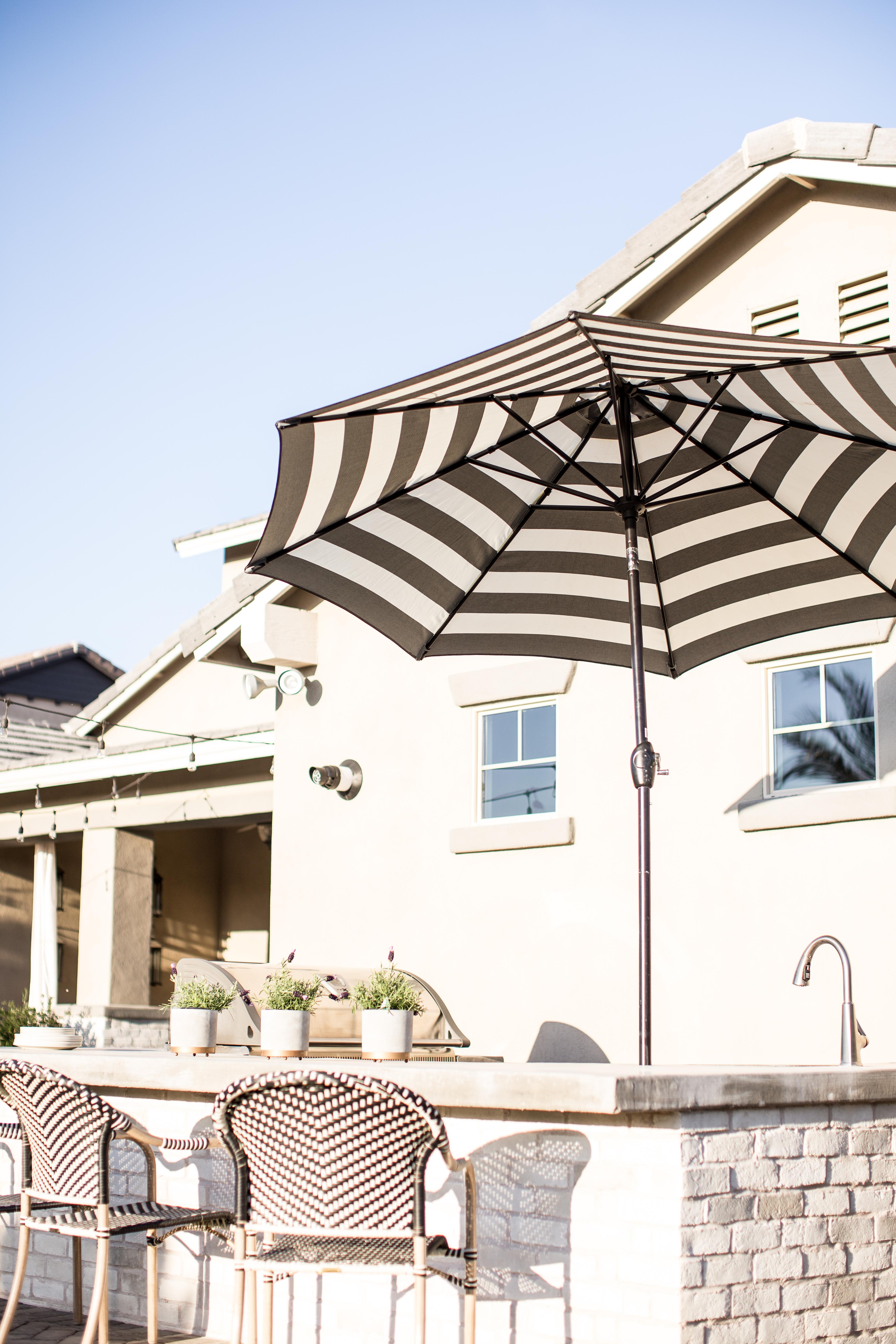 Outdoor Kitchen Umbrella Ideas