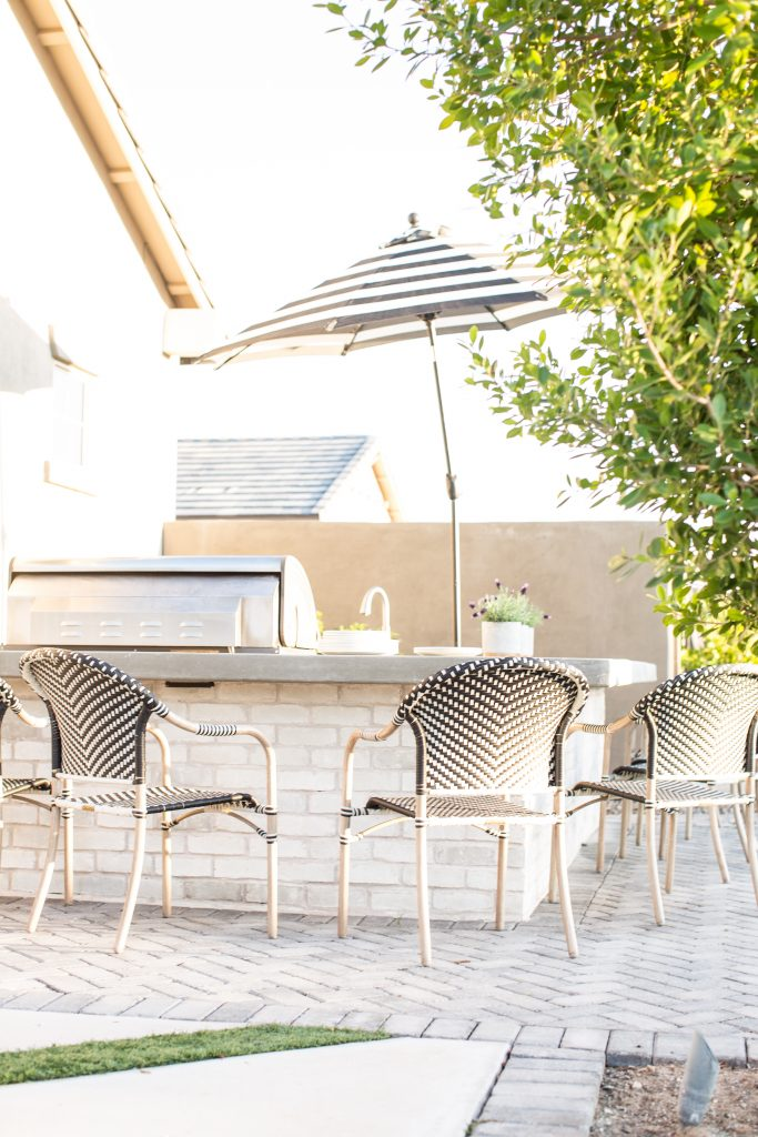Tips on how to create an outdoor kitchen