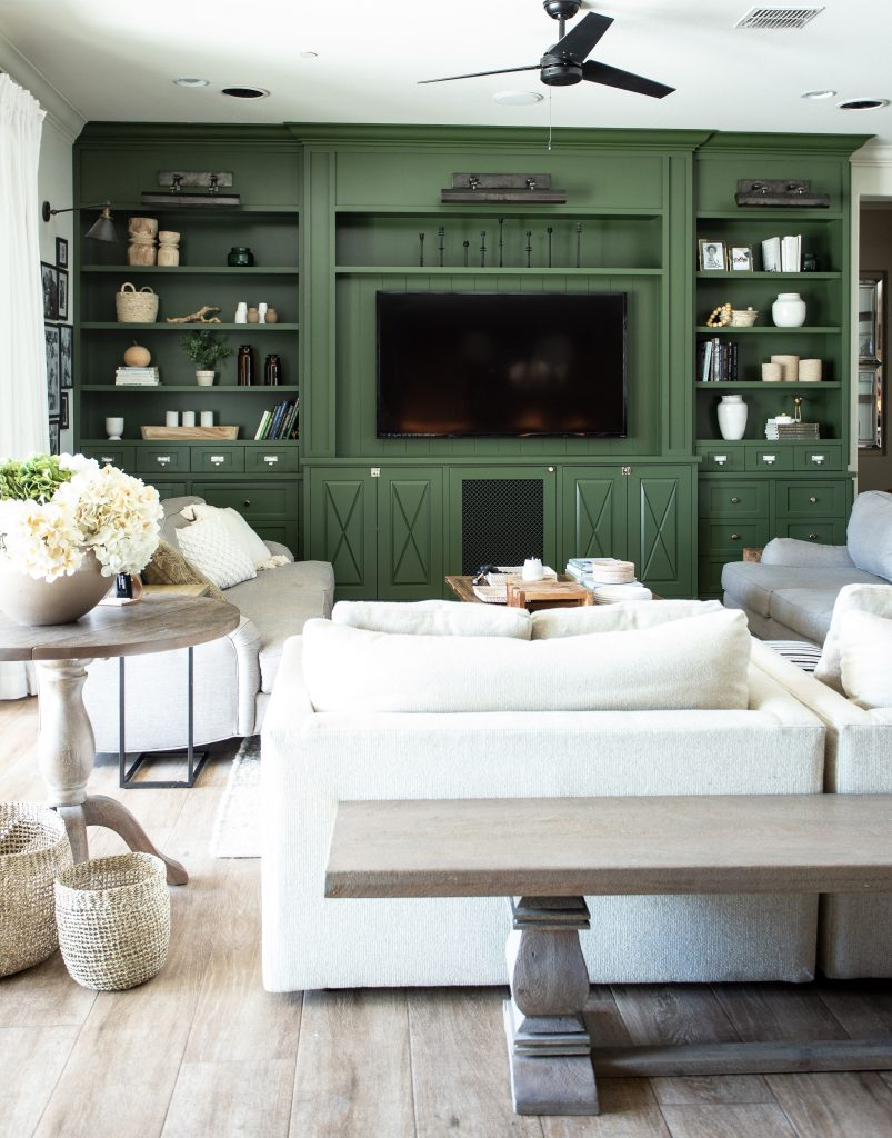How to Make a Cozy family room for family and friends