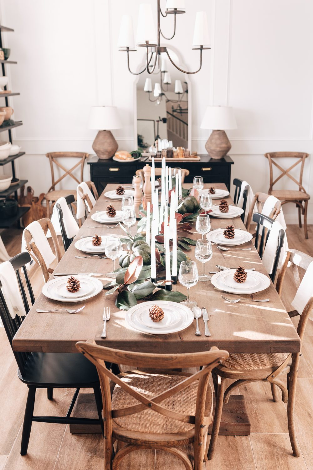 How to set up a Friendsgiving Table
