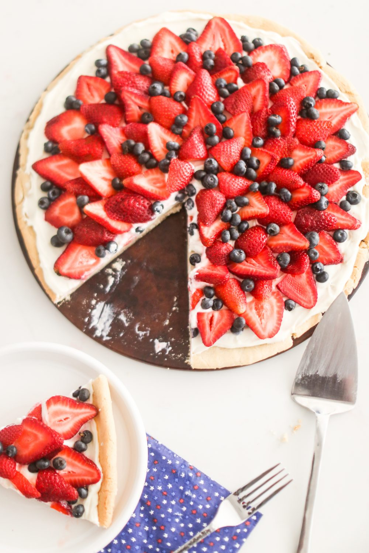 Patriotic Fruit Pizza Recipe: Red White and Blue Dessert