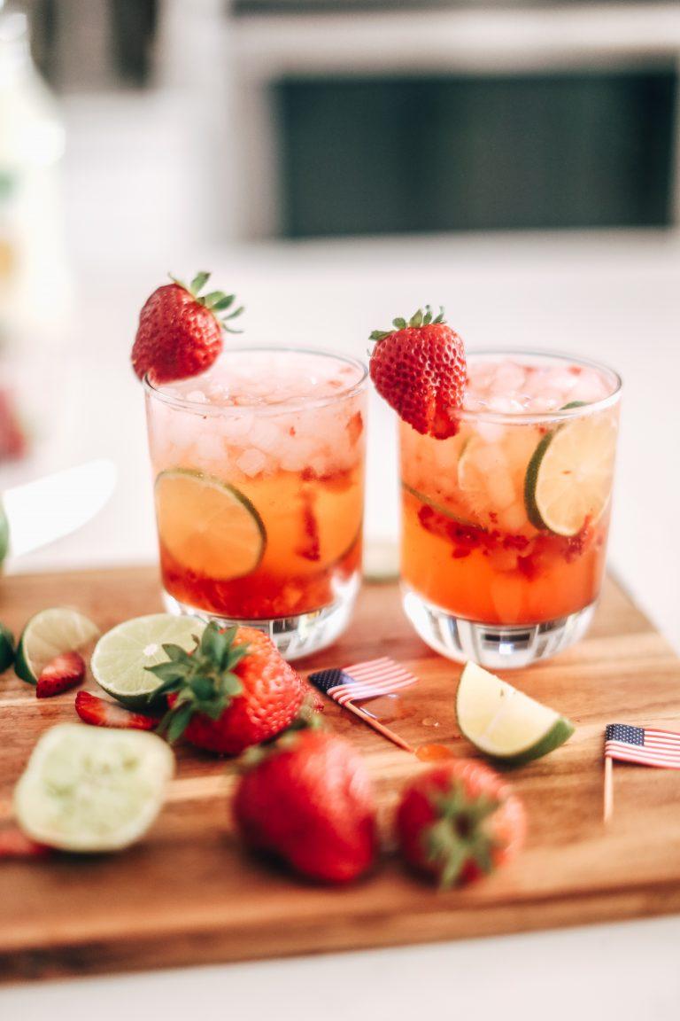Mocktail Drinks: Strawberry Lemon-Limeade Mocktail