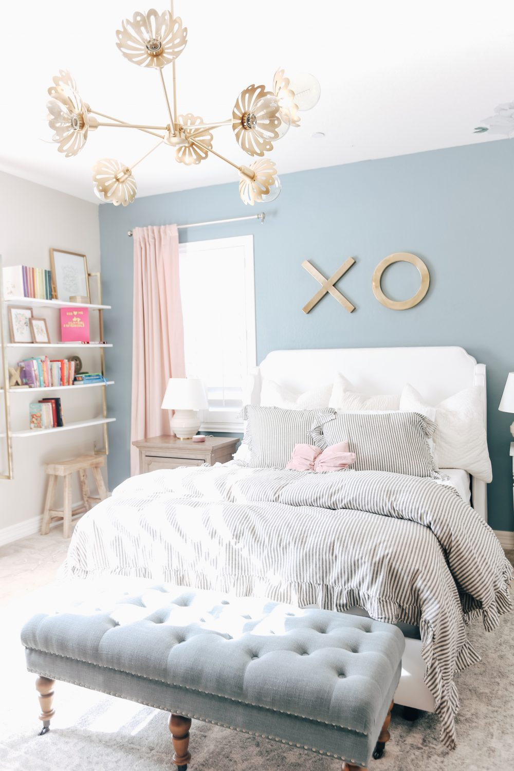 Fun and Pretty Teen Bedroom Lighting