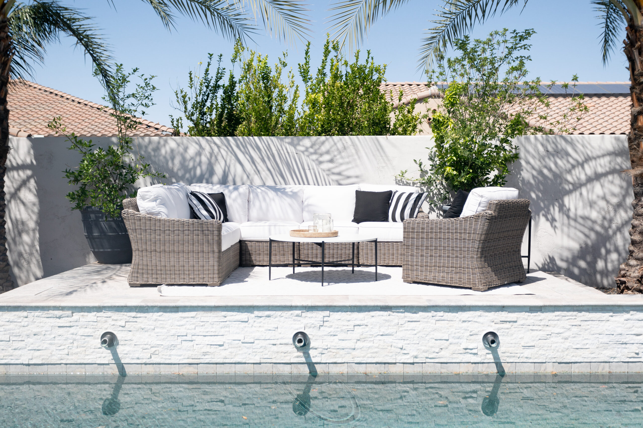 Raised Poolside look with outdoor furniture